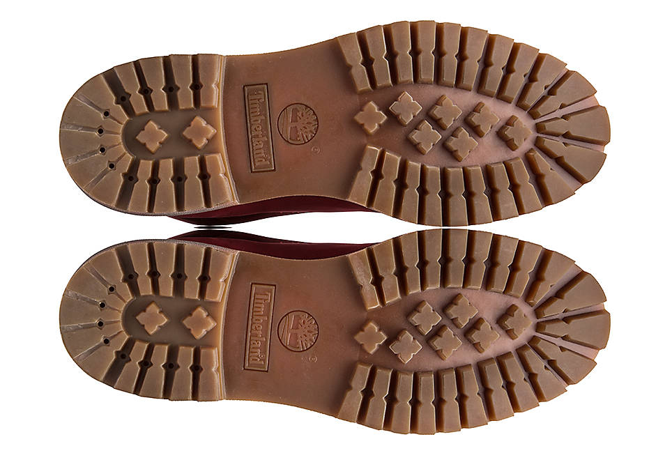 Durable rubber lug sole for traction