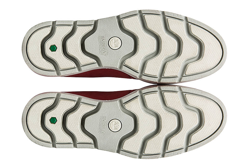 Injection-molded lightweight EVA soles and SensorFlex comfort system