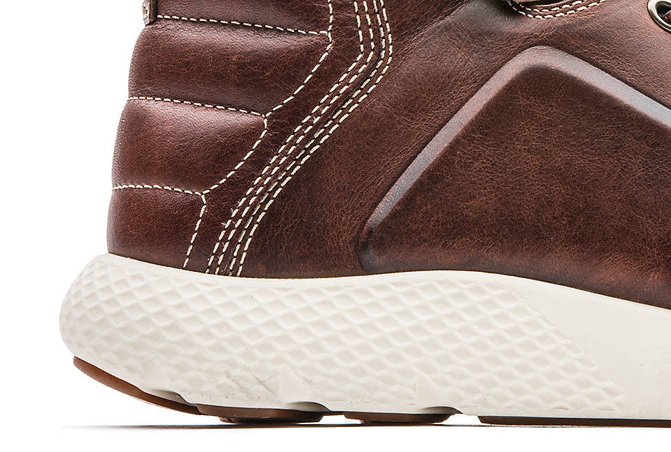 Athletic-inspired Aerocore energy system outsole