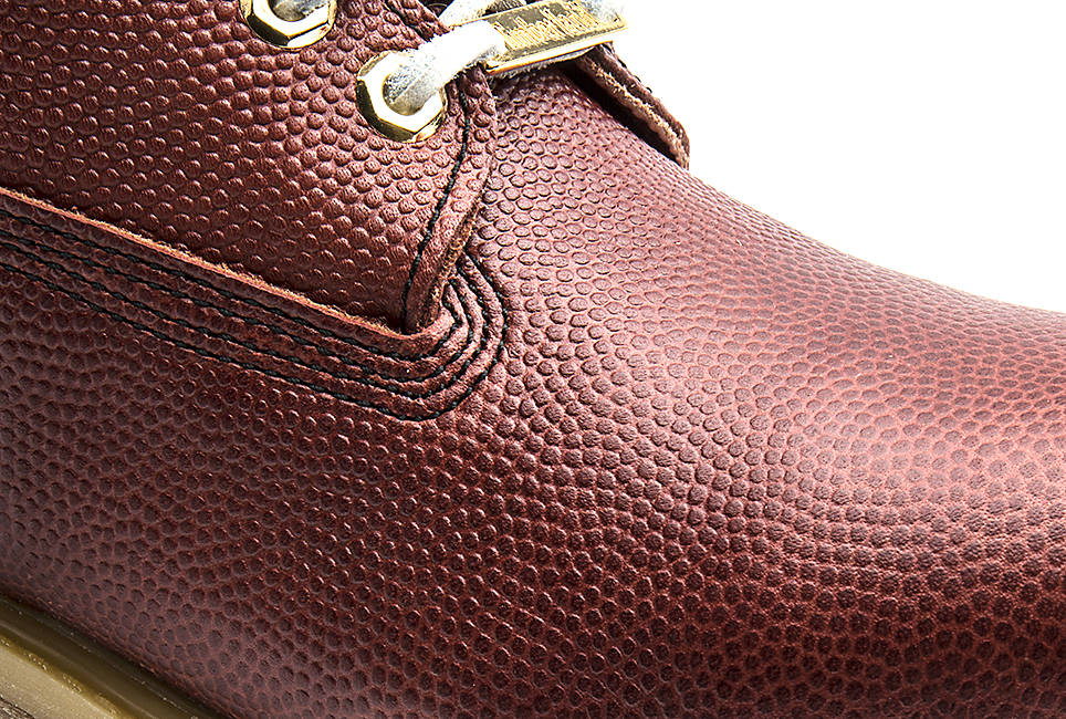 Made of genuine Horween® leather – the same leather used for footballs.