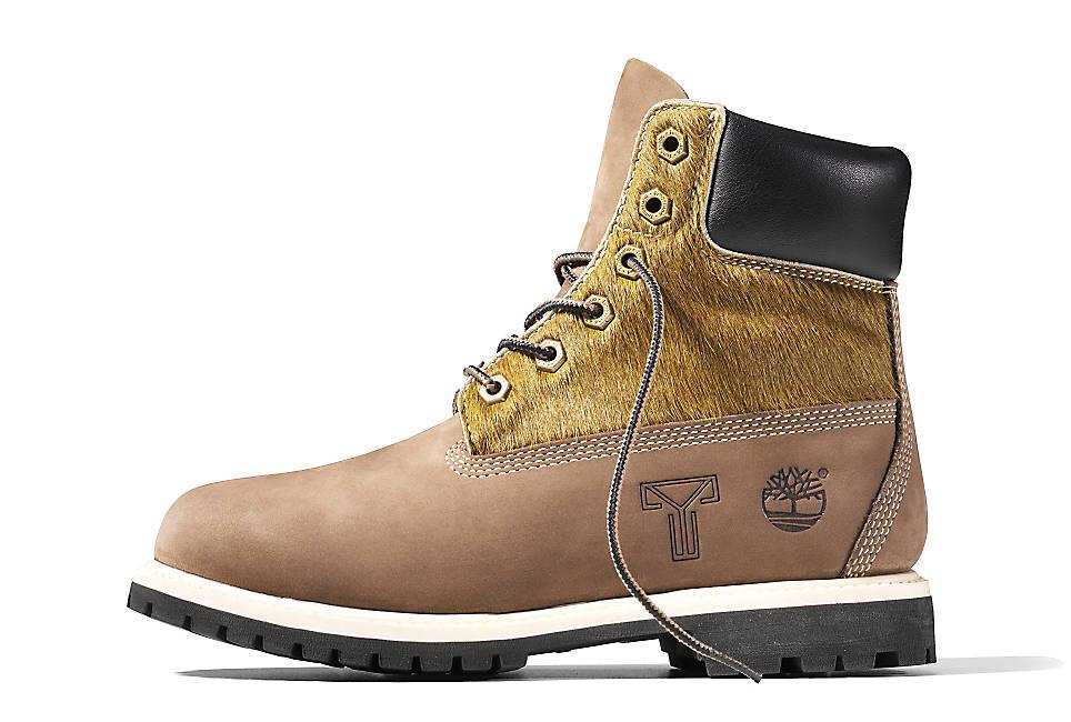 Hairy Boot 4