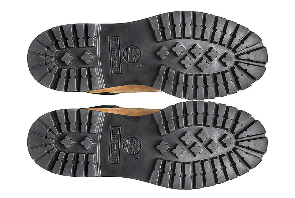 Durable 34% recycled rubber lug outsole for traction