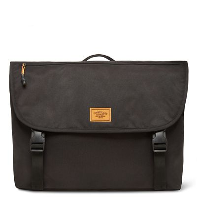 Crofton+Messenger+Bag+in+Black