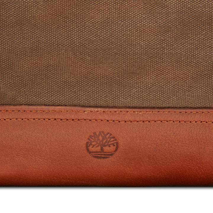 Nantasket Duffel Bag in Brown-