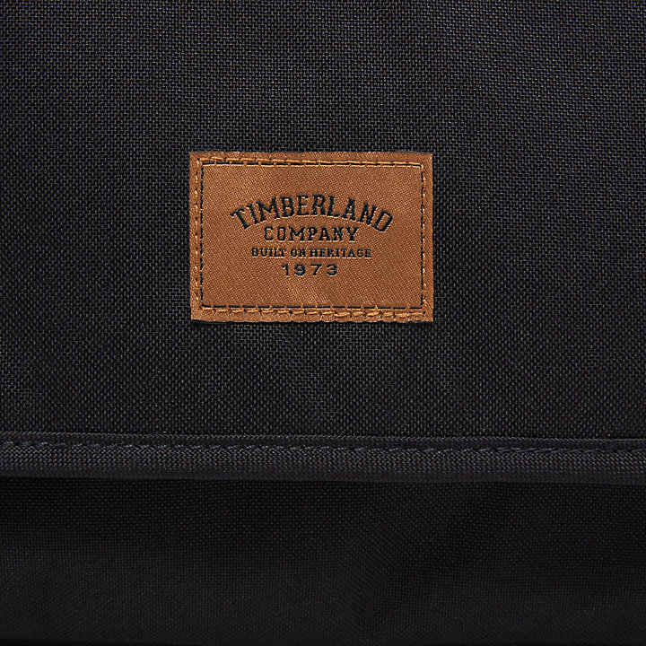 Crofton Messenger Bag Black-