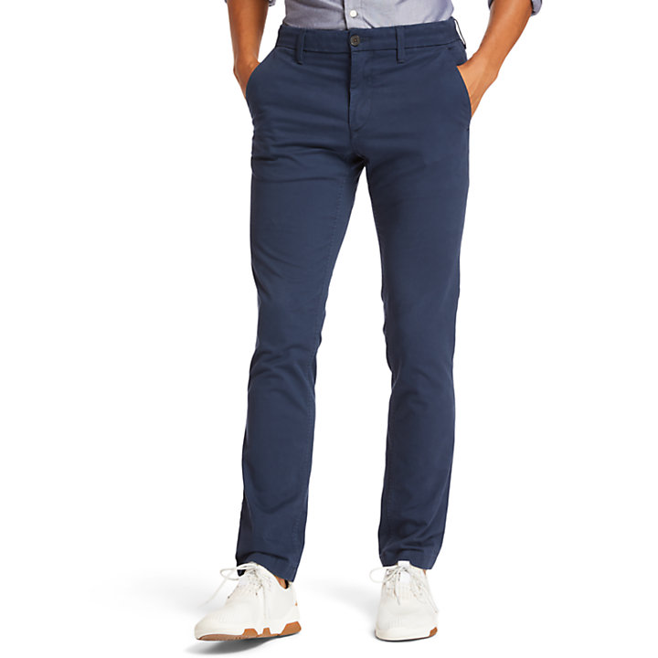 Sargent Lake Stretch Chinos for Men in Navy-