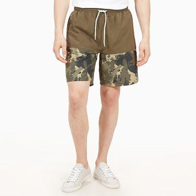 Sunapee+Lake+Print+Leisure+Shorts+for+Men+in+Green+Camo