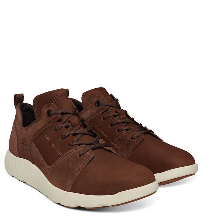 FlyRoam™ Leather Sneaker for Men in Brown-