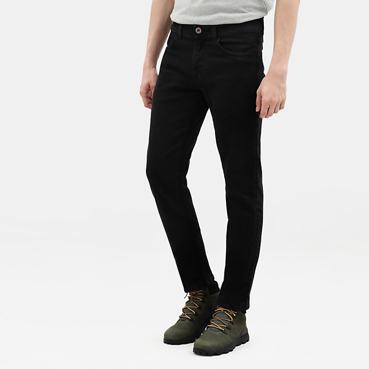 Sargent Lake Stretch Slim Chinos for Men in Black-