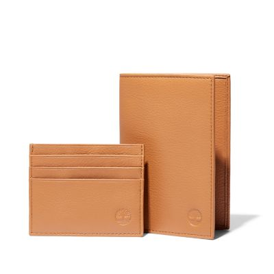 Passport+Cover+%26+Cardholder+Gift+Set+in+Brown