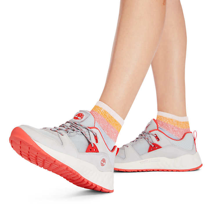 Solar Wave Hiker for Women in Light Grey-