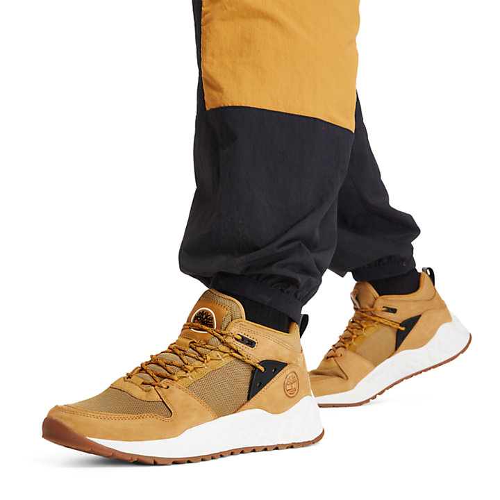 Solar Wave Hiker for Men in Yellow-
