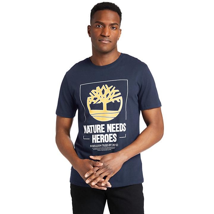 Nature Needs Heroes™ T-shirt voor heren in marineblauw-