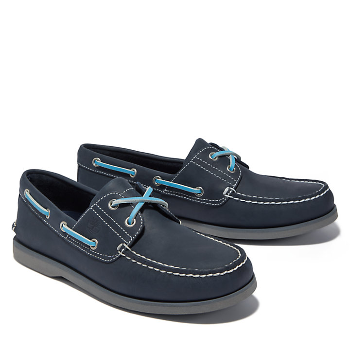 Classic Two-Eye Boat Shoe for Men in Navy-