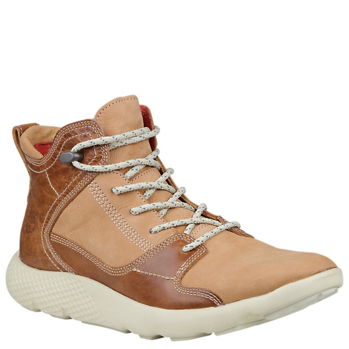 Men's FlyRoam Leather Sport Chukka Shoes-
