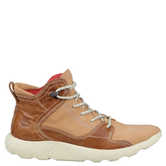 Men's FlyRoam Leather Sport Chukka Shoes