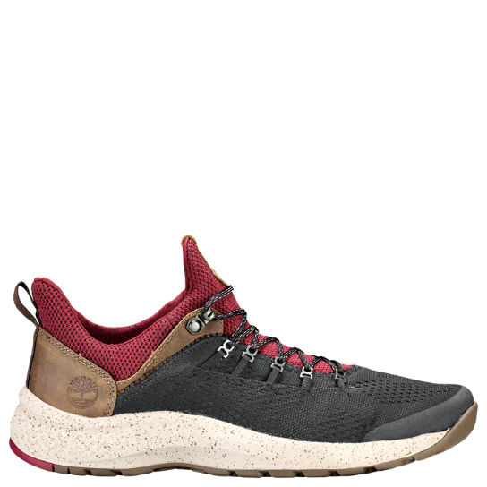 Men's FlyRoam™ Trail Mixed-Media Sneakers