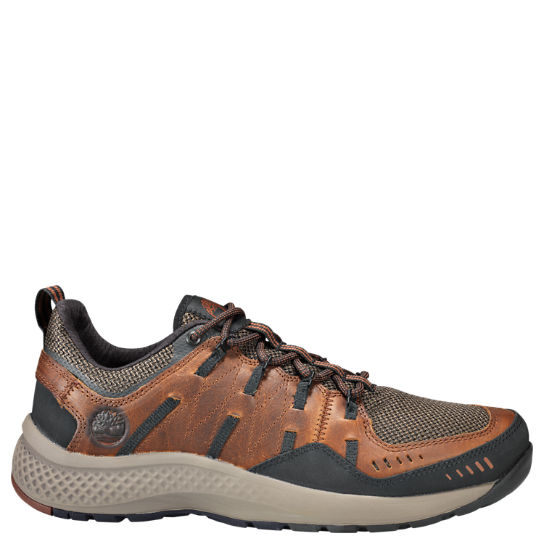 Men's FlyRoam™ Trail Low Leather Sneakers